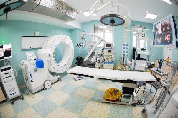 Un aparat medical de peste 500 mii de euro nu poate fi pus in functiune de luni de zile.