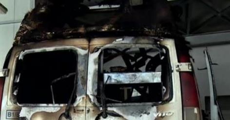 O ambulanță în misiune a luat foc în mers