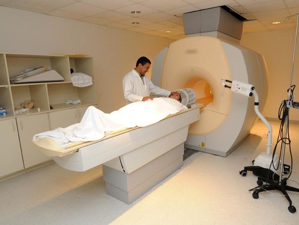 Situaţie revoltătoare: Mii de bolnavi, pe listele de aşteptare pentru o investigaţie medicală RMN. Unii pacienţi au programare chiar şi peste un AN
