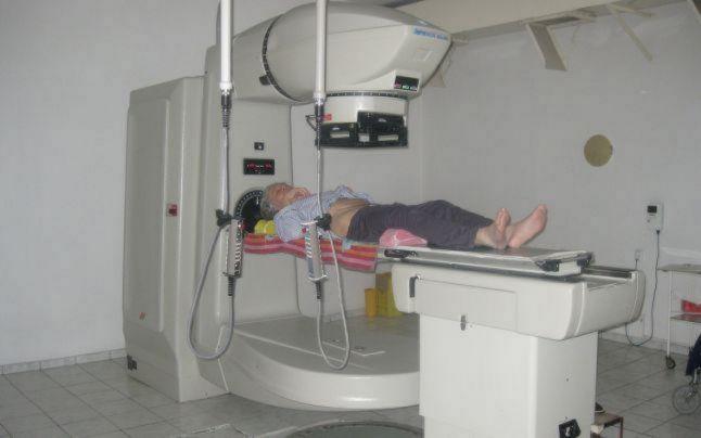 Secţia de radioterapie a Spitalului de Urgenţă Braşov rămâne închisă. Ministerul Sănătăţii cumpără cinci aparate, dar niciunul nu ajunge la Braşov